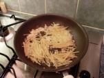 Fry the noodles